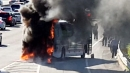 [속보] 달리던 고속버스에 불...승객 40여 명 대피