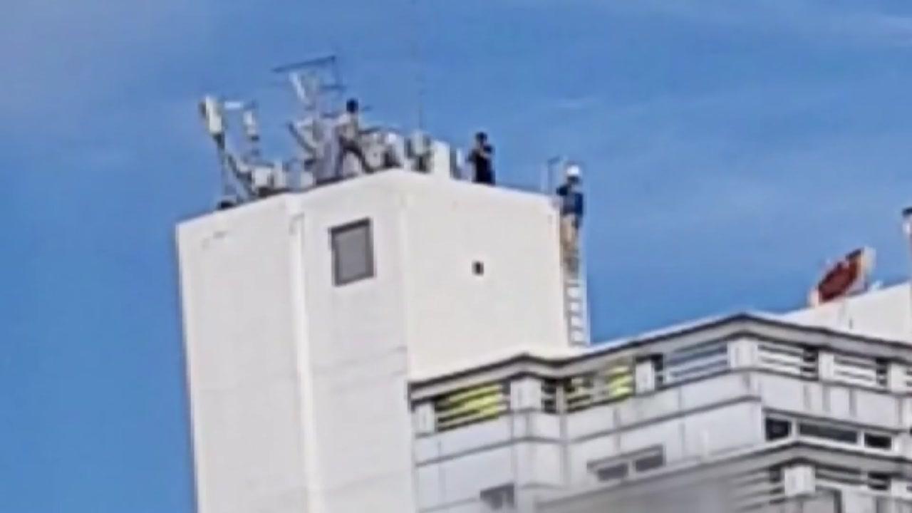 서울 40대 추정 남성 건물 옥상서 난동 뒤 추락