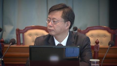 """""""우병우, 전관예우 '몰래변론'…10억 챙겼다"""""""