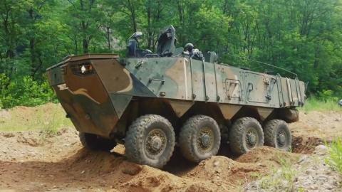 육군, 전 보병에 장갑차 보급…행군 사라지나