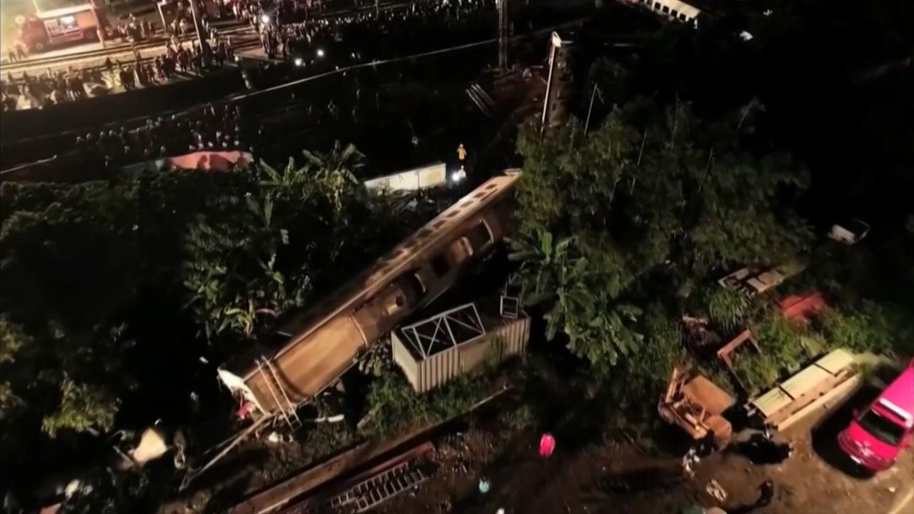 타이완 북동부 열차 탈선사고...18명 사망·171명 부상