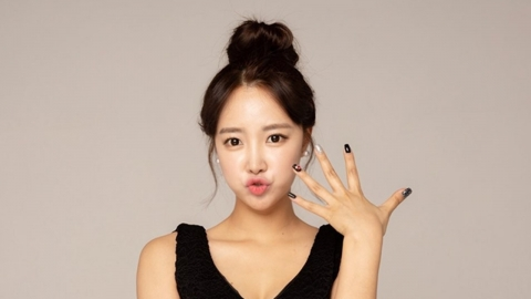 치어리더 출신 가수 김맑음, 화장품 회사 럽피 전속모델 발탁