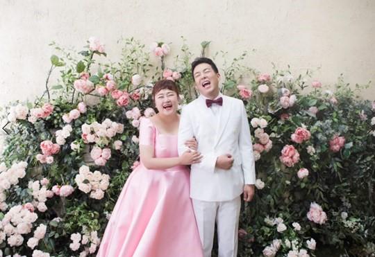 홍윤화♥김민기, 오늘(17일) 결혼...9년 열애 끝 새로운 시작