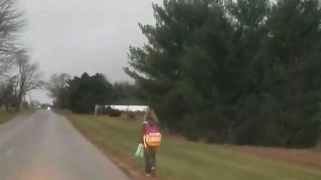 친구 괴롭힌 딸, 한겨울에 8km 걸어서 등교하게 한 아버지