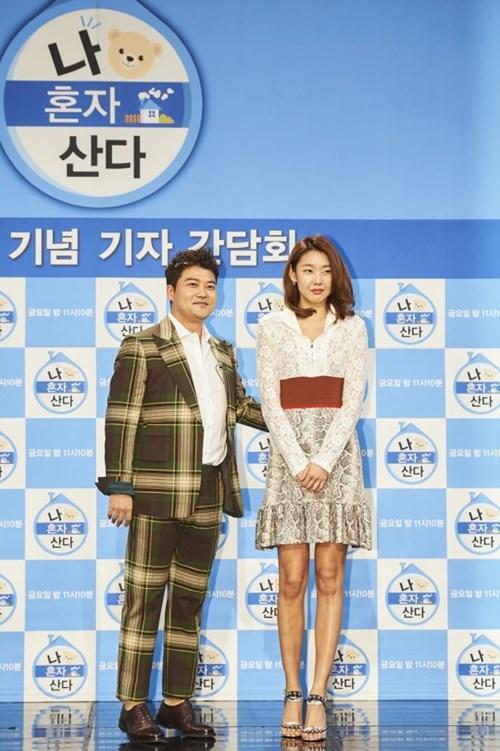 """전현무·한혜진 양측 """"결별설 사실 아냐""""(공식입장)"""