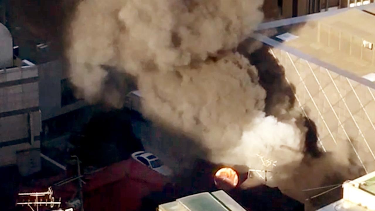 [제보영상] 청담동 5층 건물서 화재…다친 사람 없어
