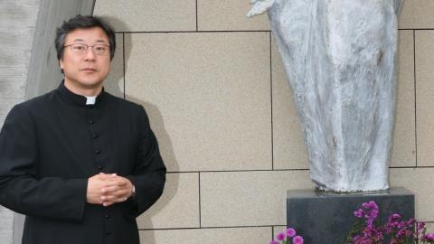 ● 멋진 세상 속 인물_ 김홍식 관평동성당 주임신부와의 특별한 만남