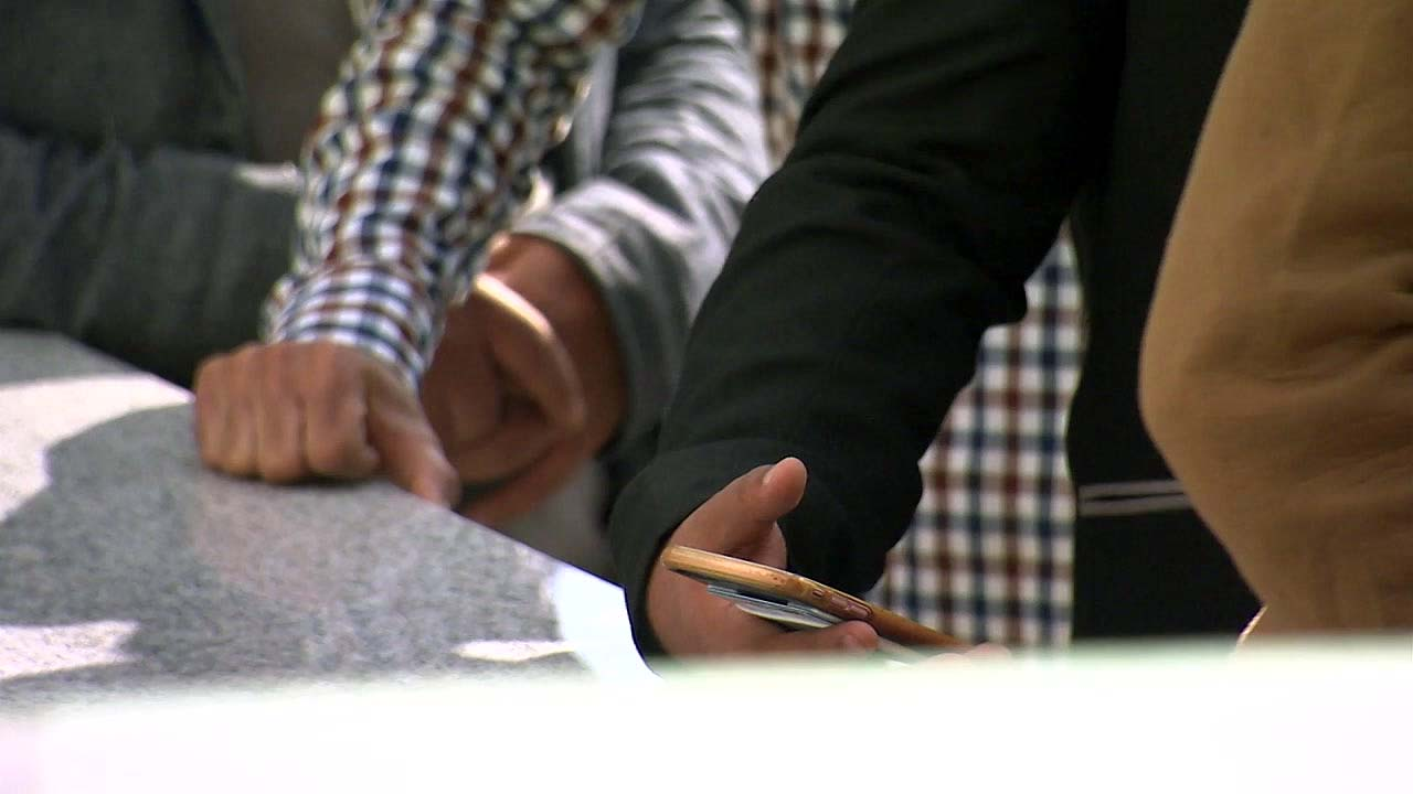 예멘인 2명, 첫 난민 인정...논란 여전