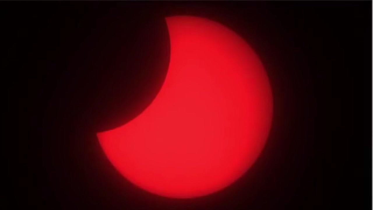 [영상] '한입 베어 문' 사과 같은 태양...부분일식 전국에서 관측