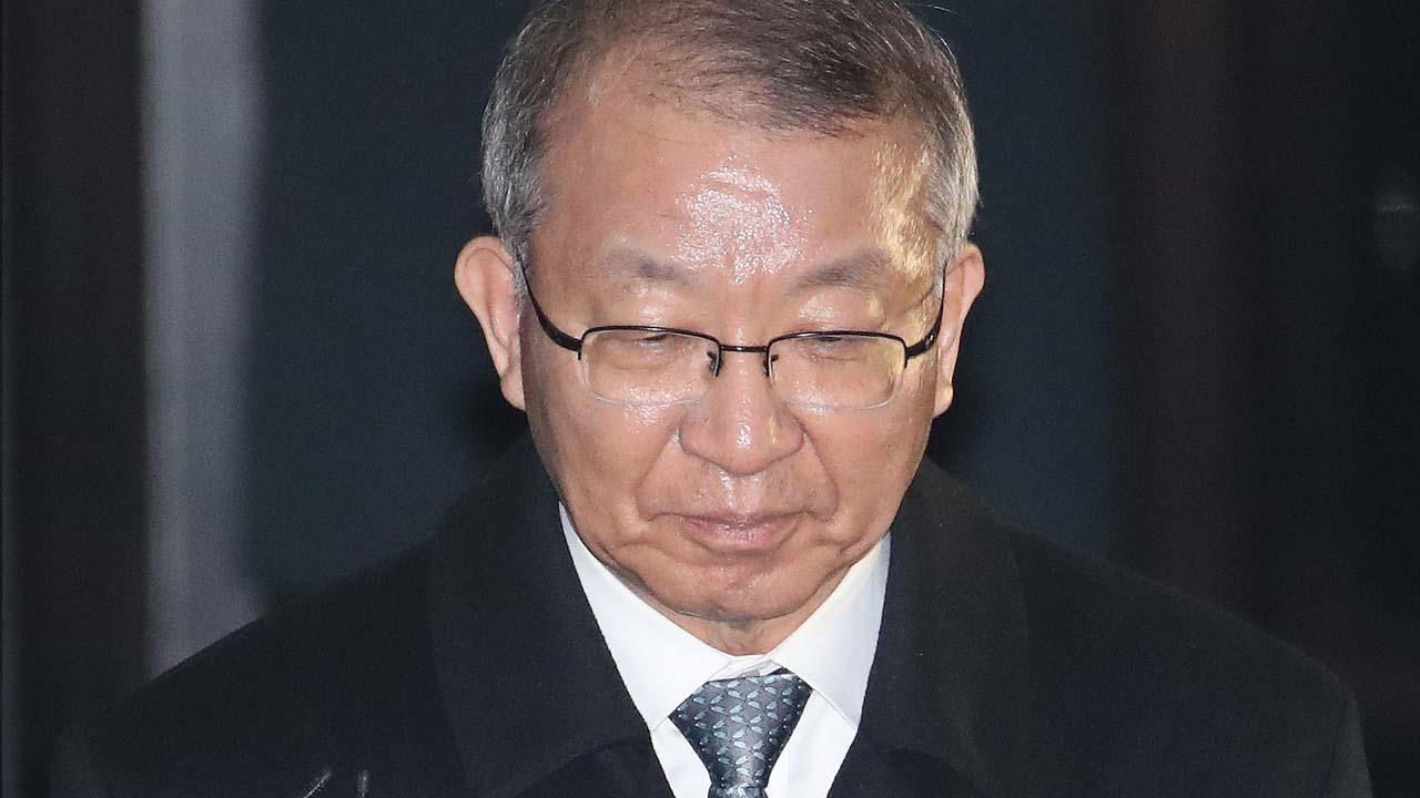 """양승태, 조서만 30시간 넘게 검토...""""재판 대비 전략"""""""
