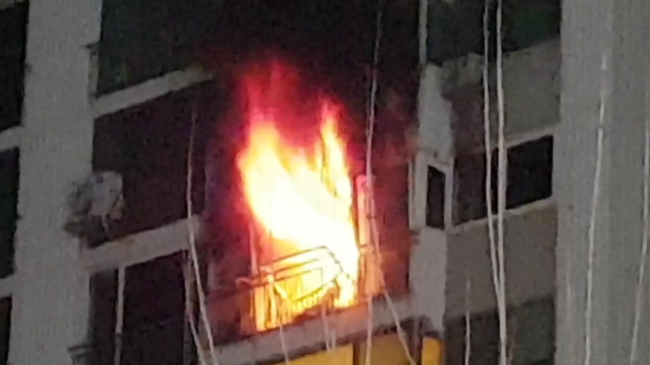 대전 월평동 아파트 화재...주민 4명 연기 흡입