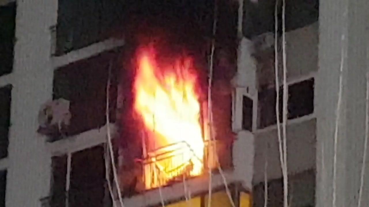 15층 아파트에 화재...주민 대피 소동