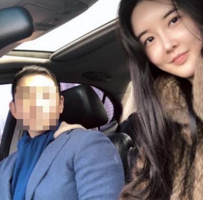 '열애설' 장미인애, SNS에 훈남과 셀카 #LOVE