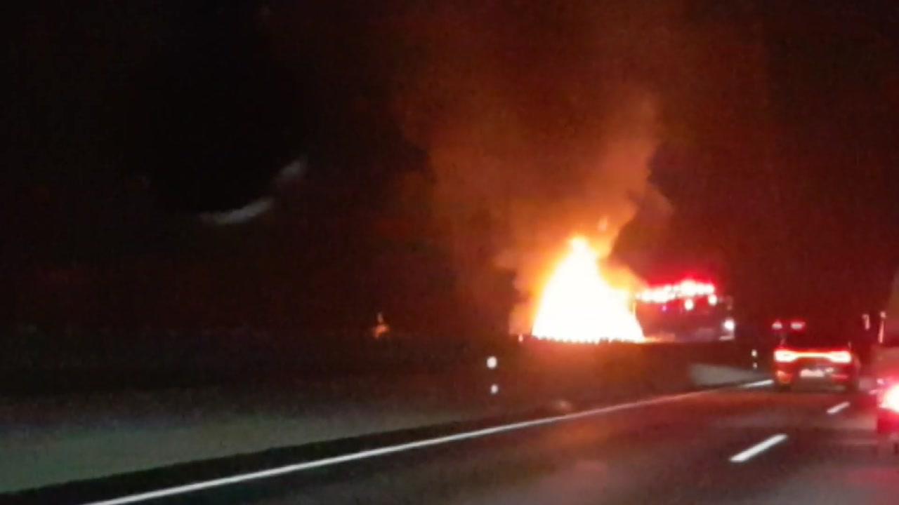 고속도로 차량·고층아파트 불...2명 숨져