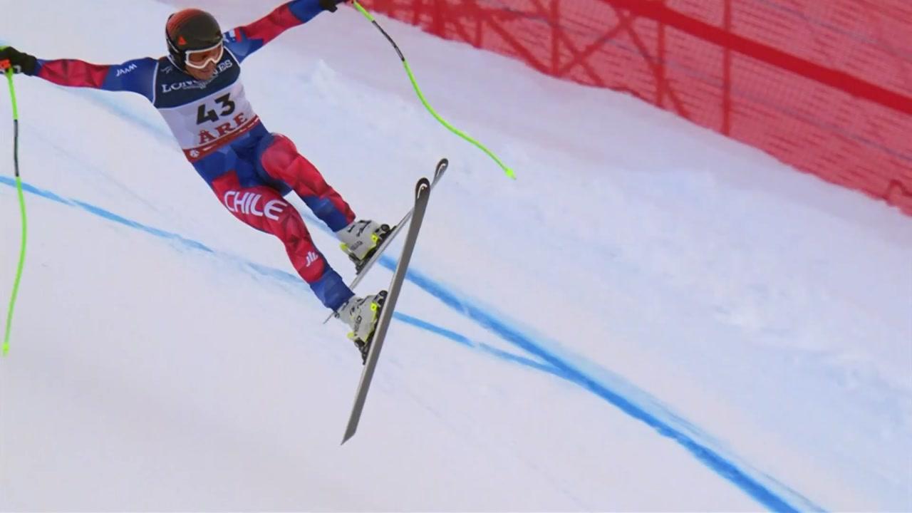 [영상] 위험천만 스키 활강...아찔한 충돌!