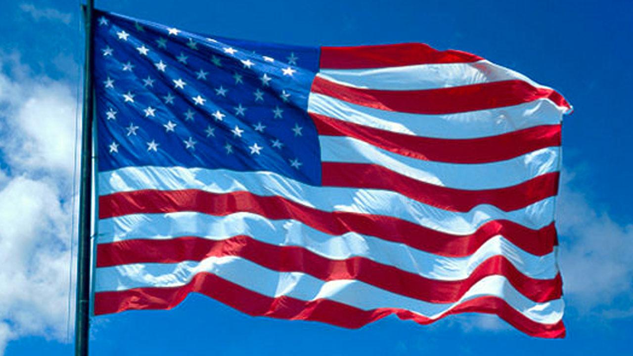 '국기에 대한 맹세' 거부한 뒤 경찰에 체포된 美 11세 학생