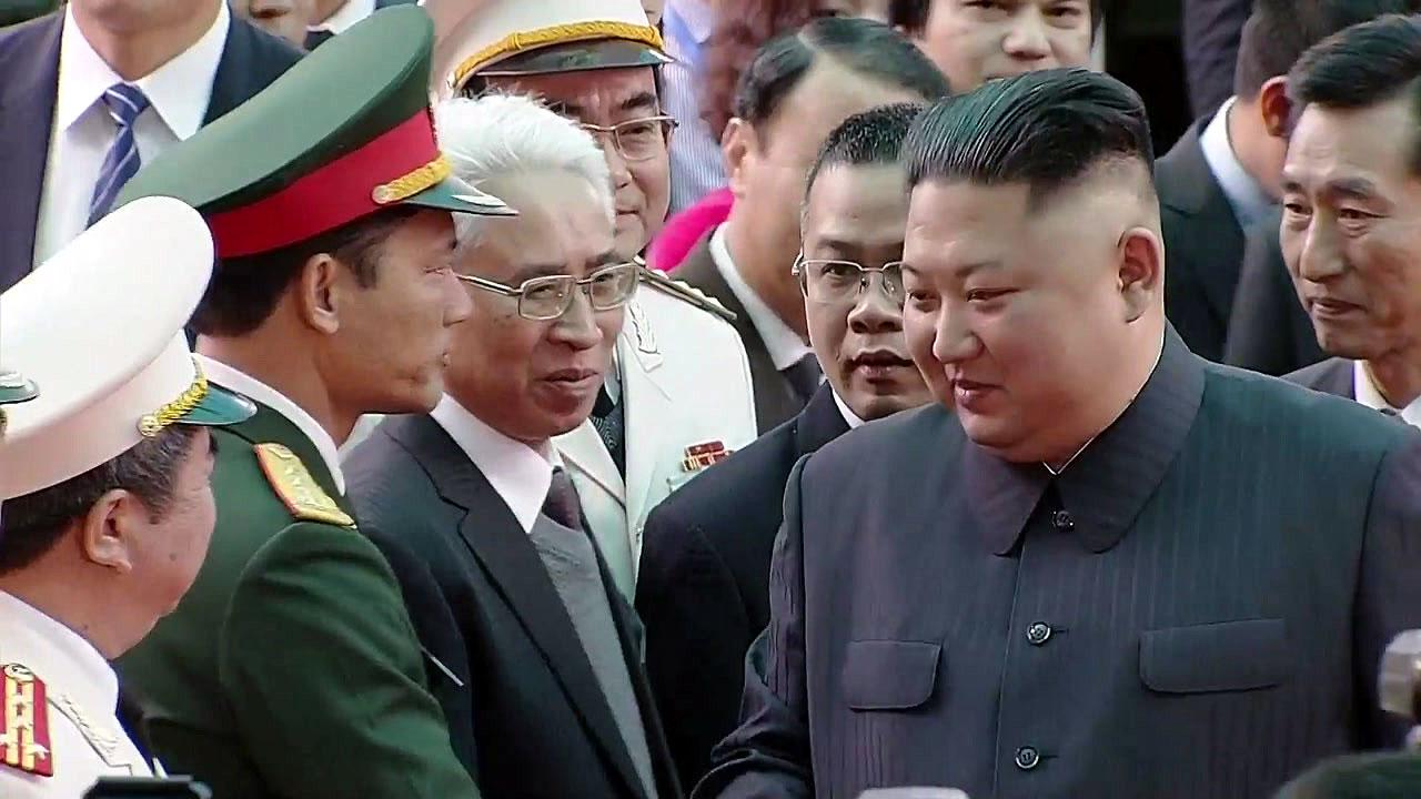 [현장영상] 김정은 위원장 베트남 동당역 도착