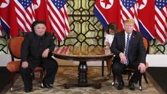 """[속보] 김정은 """"직감으로 좋은 결과 생길 것 같아""""...트럼프 """"서두를 생각 없다"""""""