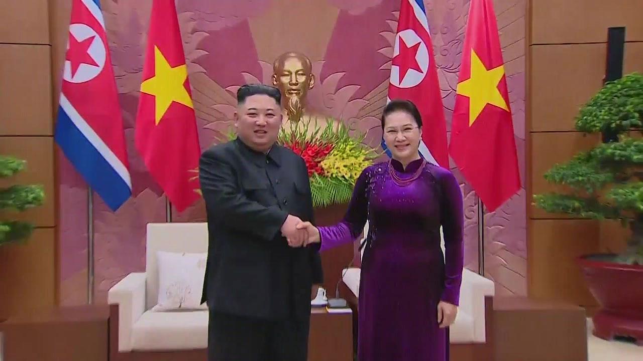 베트남 '빅4' 만난 김정은...경제시찰 빠져