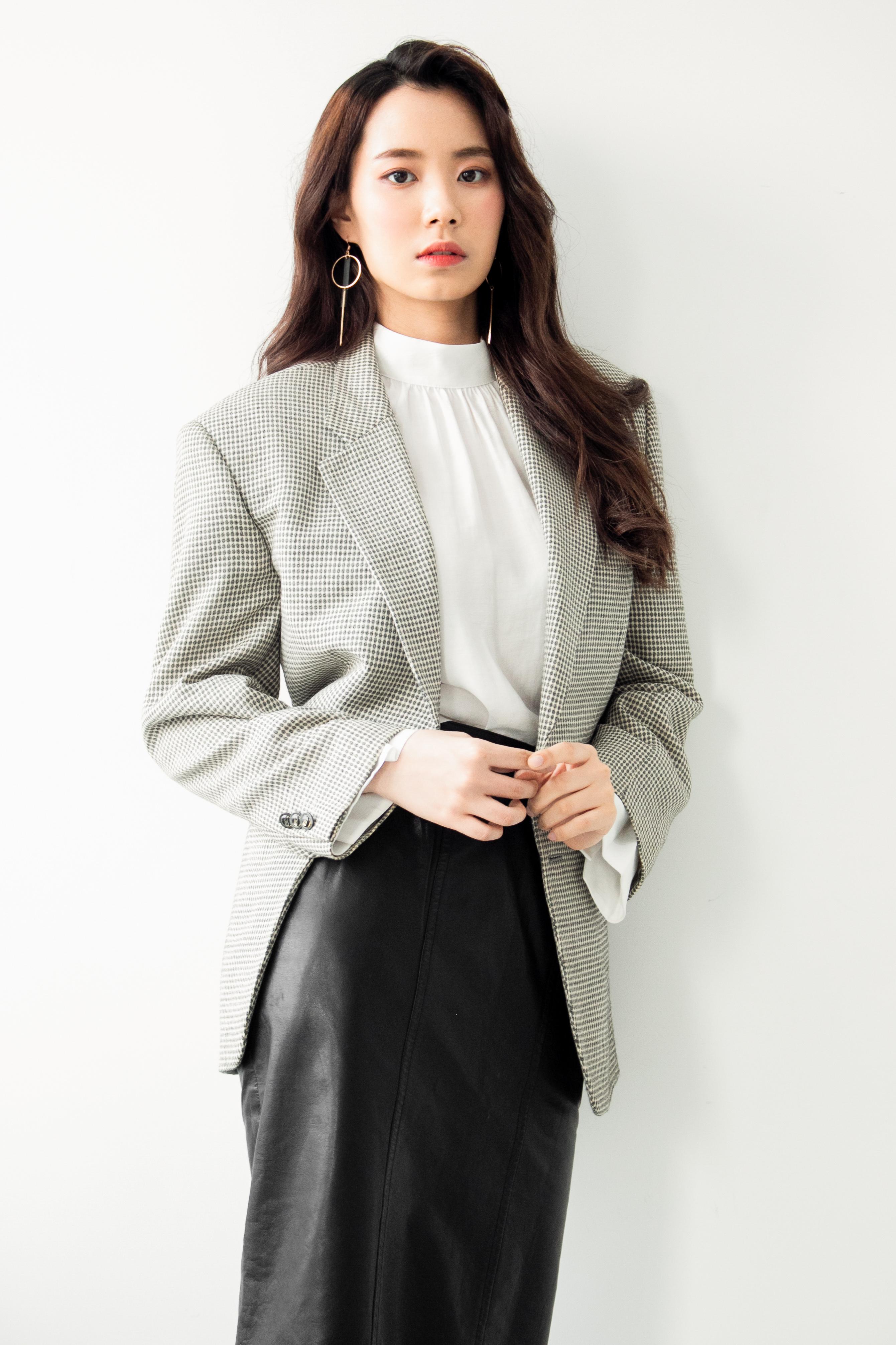 모델 최연수에게 이런 모습이? 여성스러운 성숙미 물씬!