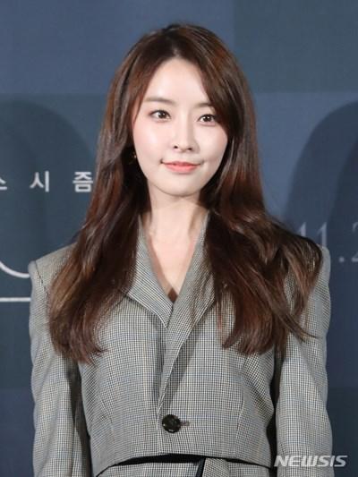 """정유미, '정준영 루머' 강경 대응 예고 """"불쾌, 법적 조치"""" (공식)"""