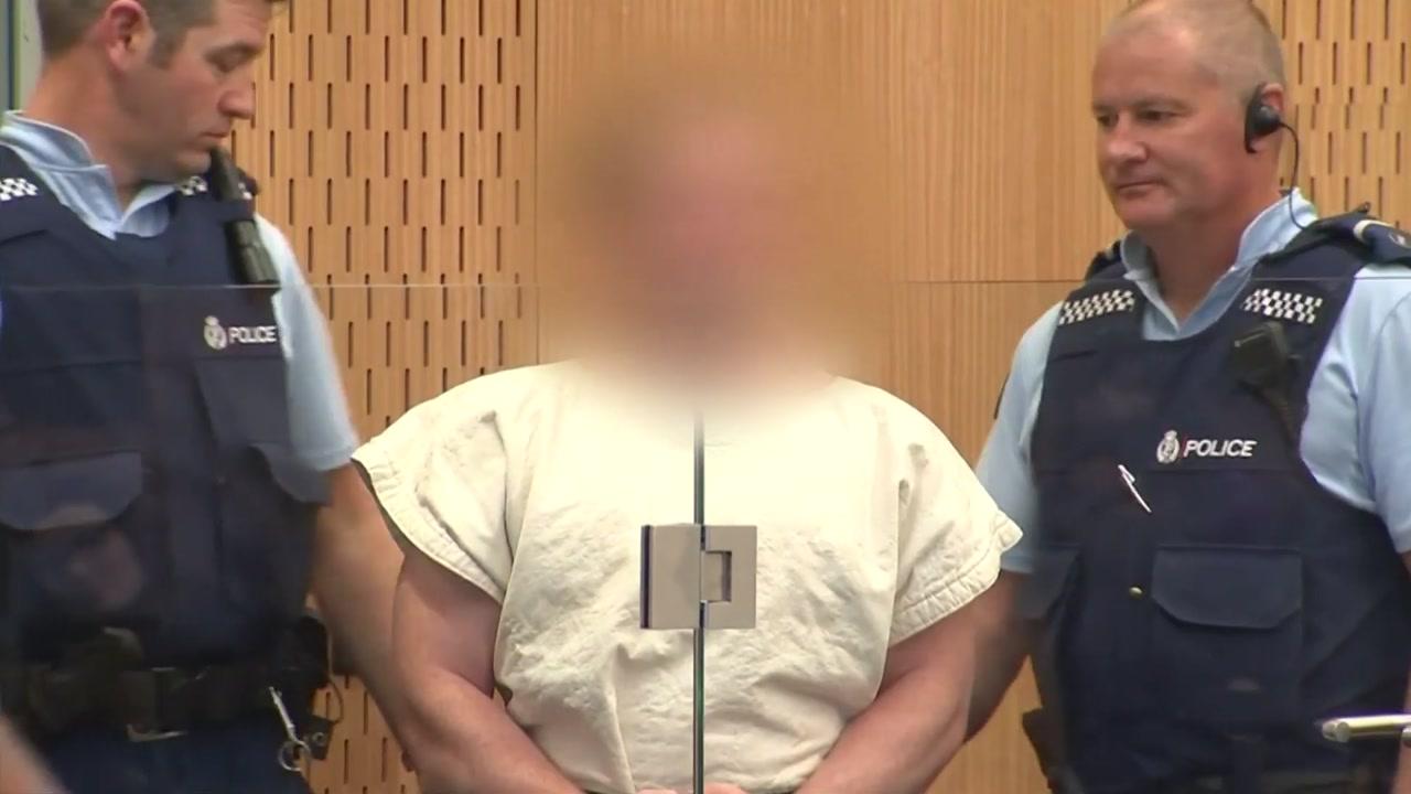 """뉴질랜드 테러범 첫 재판 1분여 만에 종료...""""해외여행 후 변했다"""""""