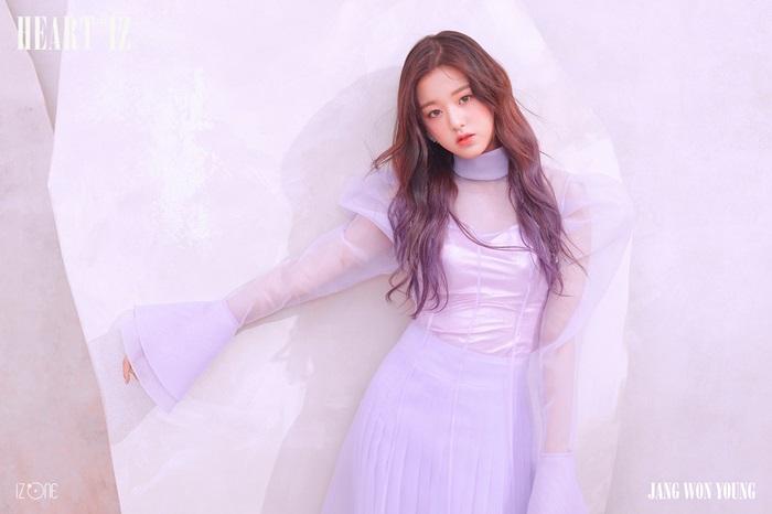 '아이즈원', 장원영·강혜원·야부키 나코 미니 2집 오피셜 포토 공개