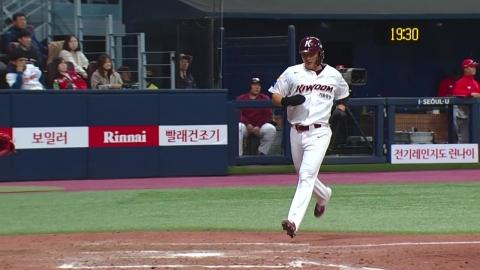 김하성·박병호 적시타...키움 홈 첫 승 신고