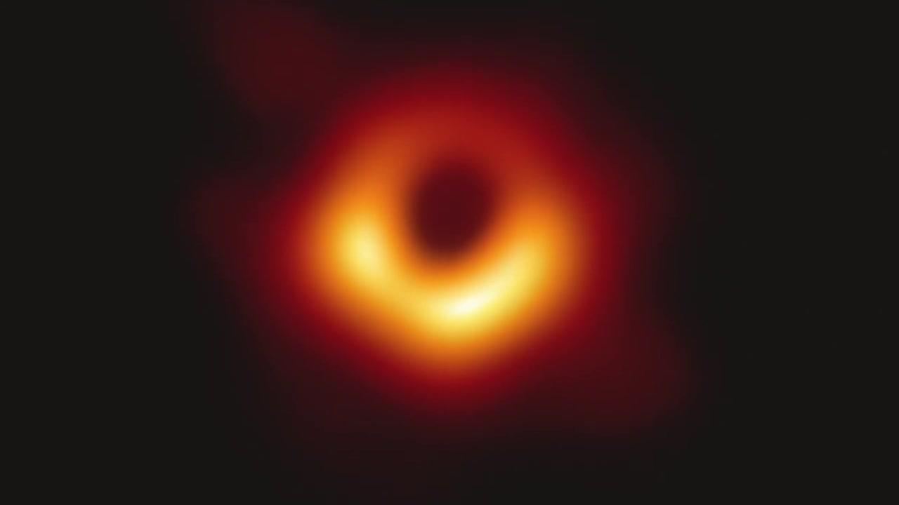 오랜 호기심의 대상 블랙홀...우주 비밀 풀리나?