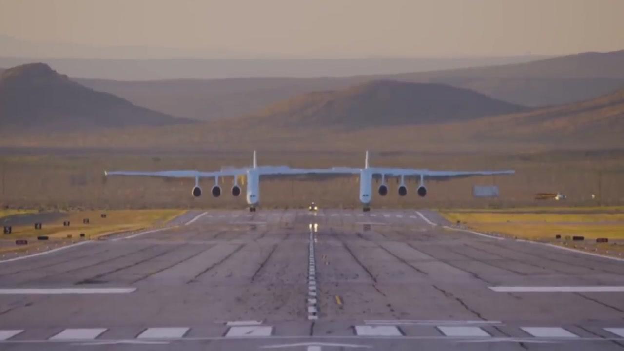날개 길이만 117m...공중에서 위성 날리는 거대 제트기