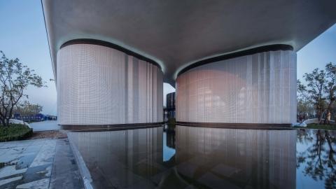 〔안정원의 디자인 칼럼〕유기적인 매스로 볼륨감 있게 구획된 탕산 블루베이타운 라이프체험관2