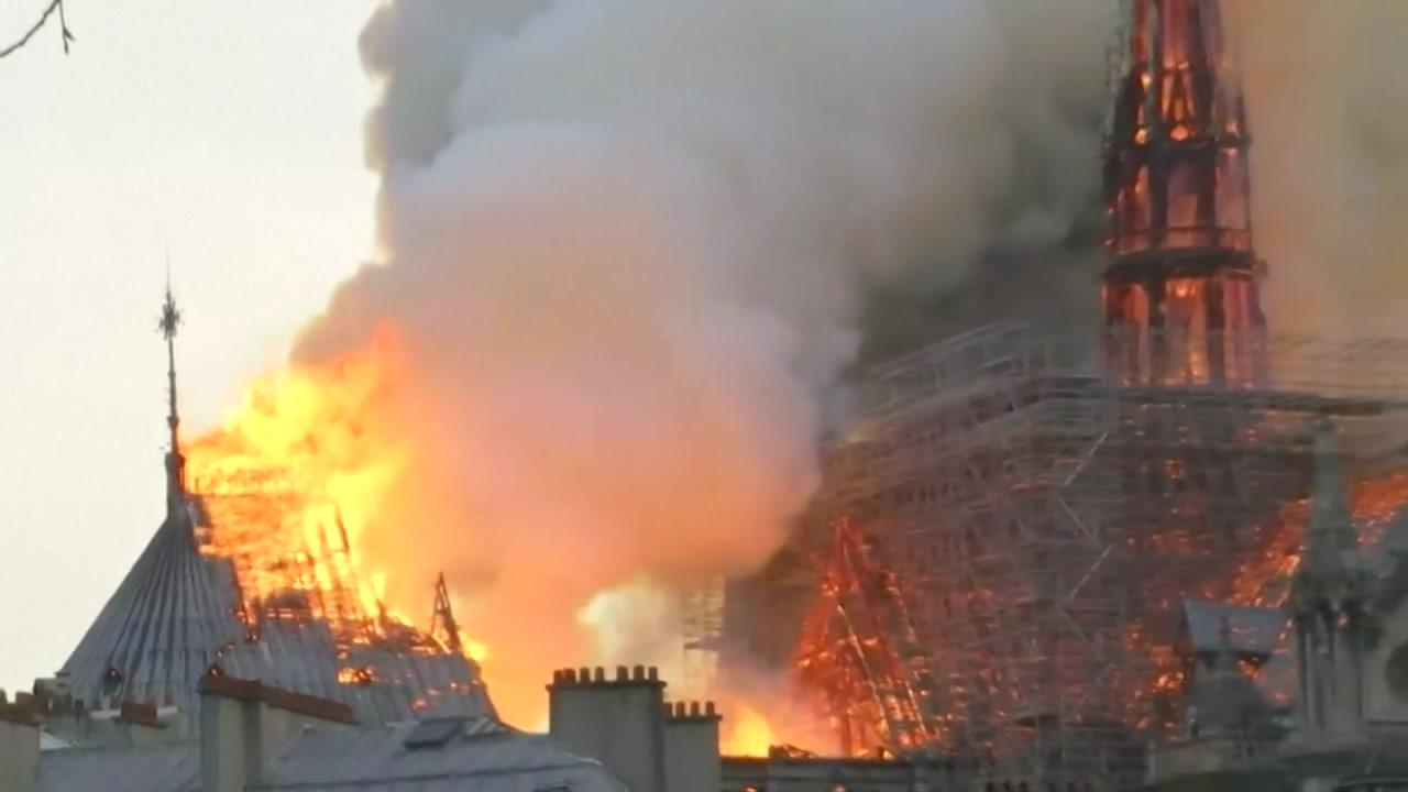 노트르담 화재 '전기 과부하·합선' 가능성 제기