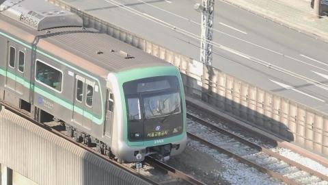 하루 이용객 '800만'…서울 도시철도 노선 두 배로!
