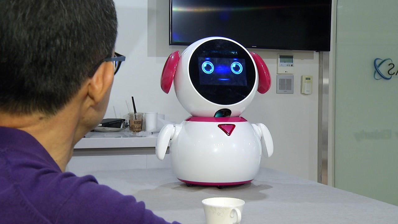 """""""무엇을 도와드릴까요?""""...치매 환자 돕는 로봇 개발"""