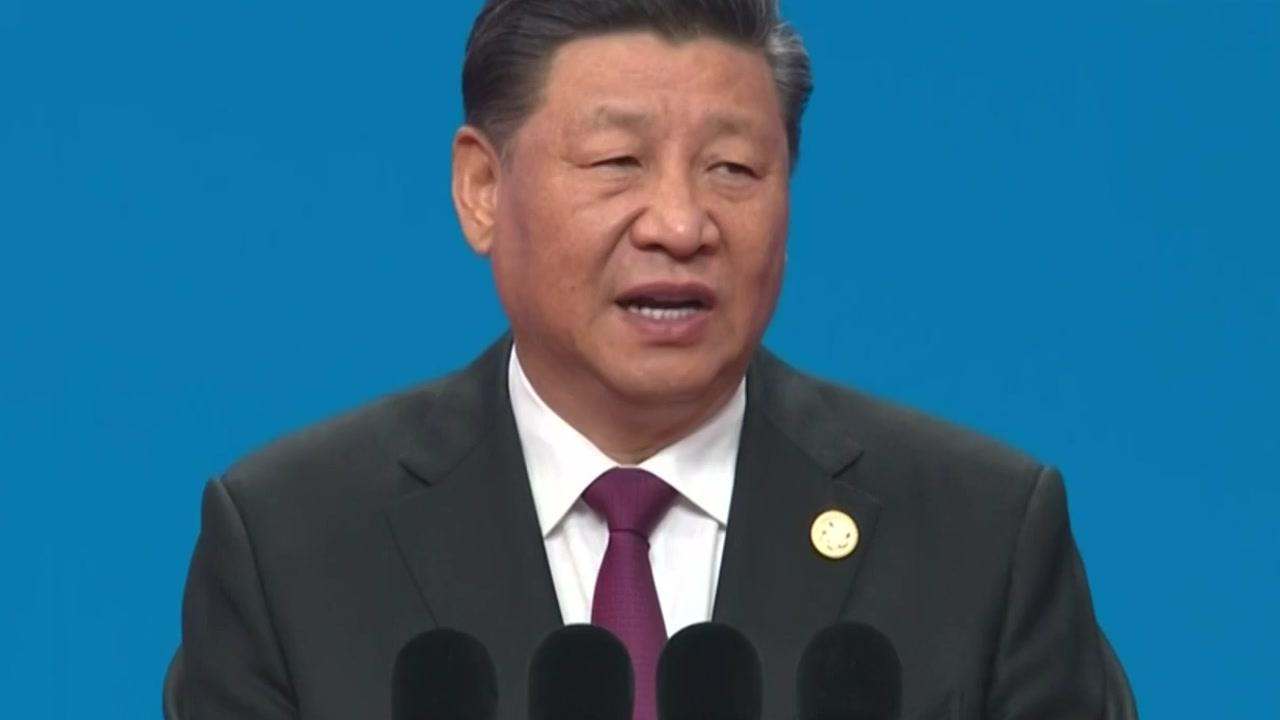 """시진핑 """"자국 우월주의 어리석어""""...'미국인에 봉사료 25%' 호텔도 등장"""