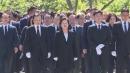 노무현 전 대통령 서거 10주기...추모객 붐비는 봉하마을