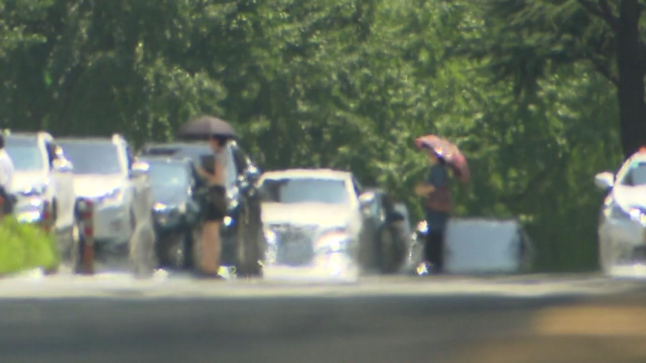 올여름도 역대급 폭염...늦은 장마에 국지성 호우