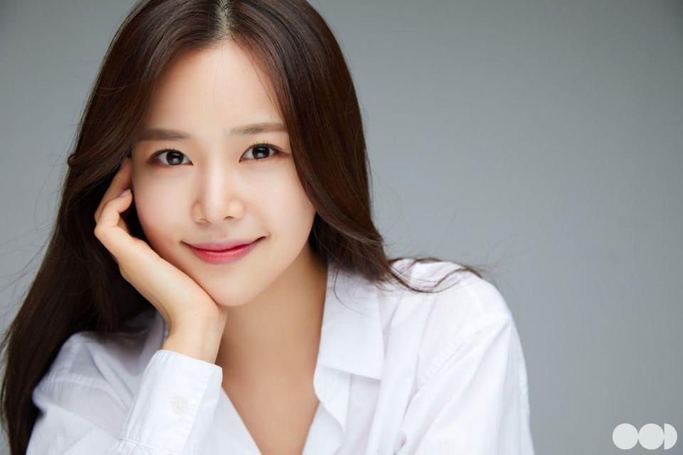'미스트롯' 강예슬, 에잇디와 계약...아이즈원 강혜원과 한솥밥