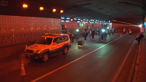 '터널 화재' 원격으로 끈다…국내 첫 도입
