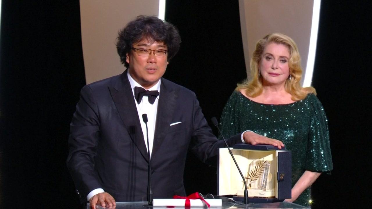 봉준호 '기생충' 칸 황금종려상...한국 첫 수상