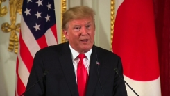 트럼프, 볼턴·아베 의견에 반박...김정은에 대화 손짓
