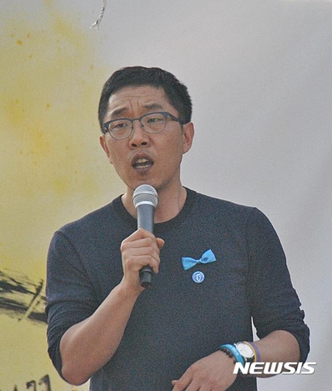 """""""1550만 원"""" 김제동 '고액 강연료'…맞을까? 연예 관계자들 물어보니"""