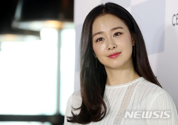 """김태희 측 """"美 주택 구입 맞다…개인적인 이유""""(공식)"""