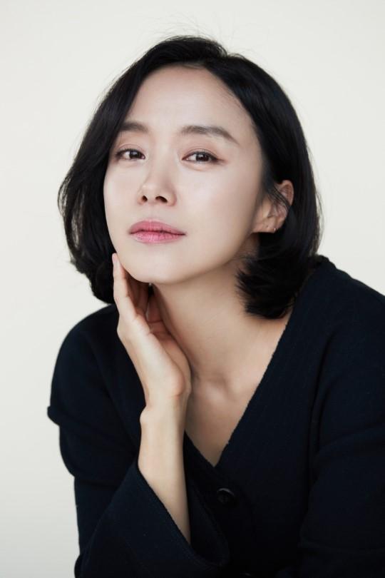 """전도연, '범죄도시' 강윤성 감독 만날까...""""'힙대디' 검토 중"""""""
