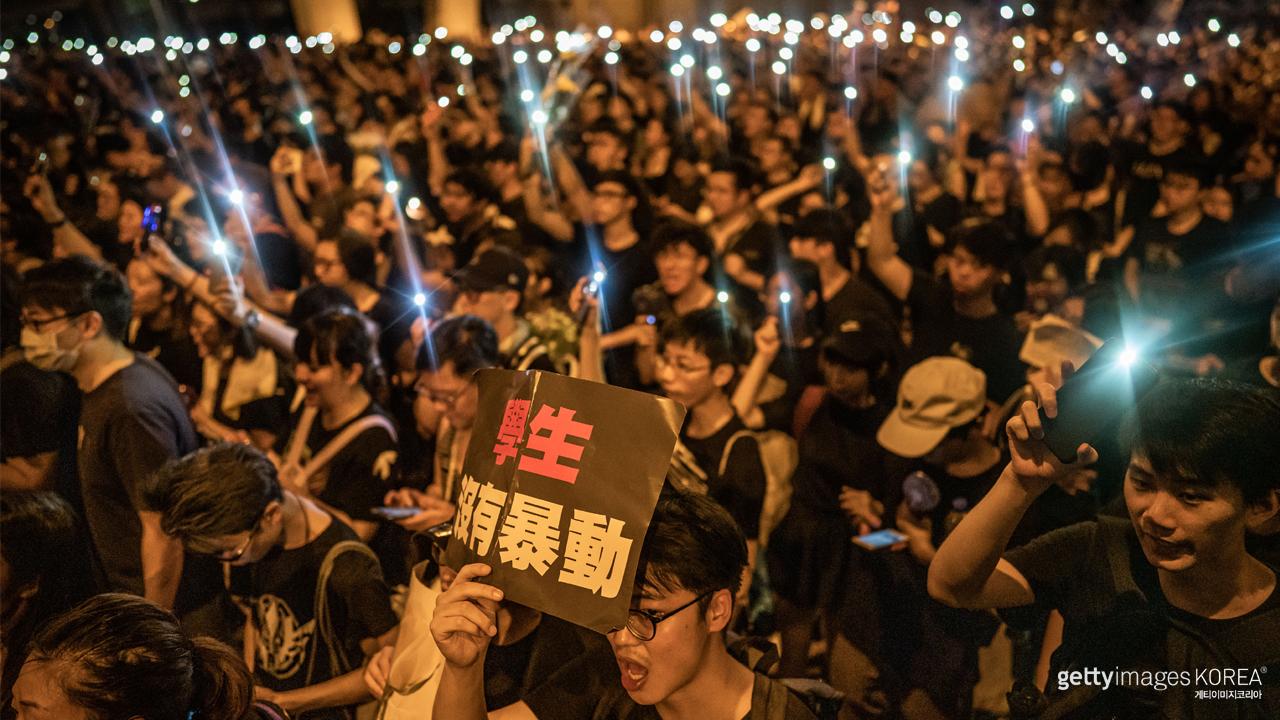 홍콩, 송환법 집회서 '임을 위한 행진곡' 울려 퍼져... 이래도 종북노래?