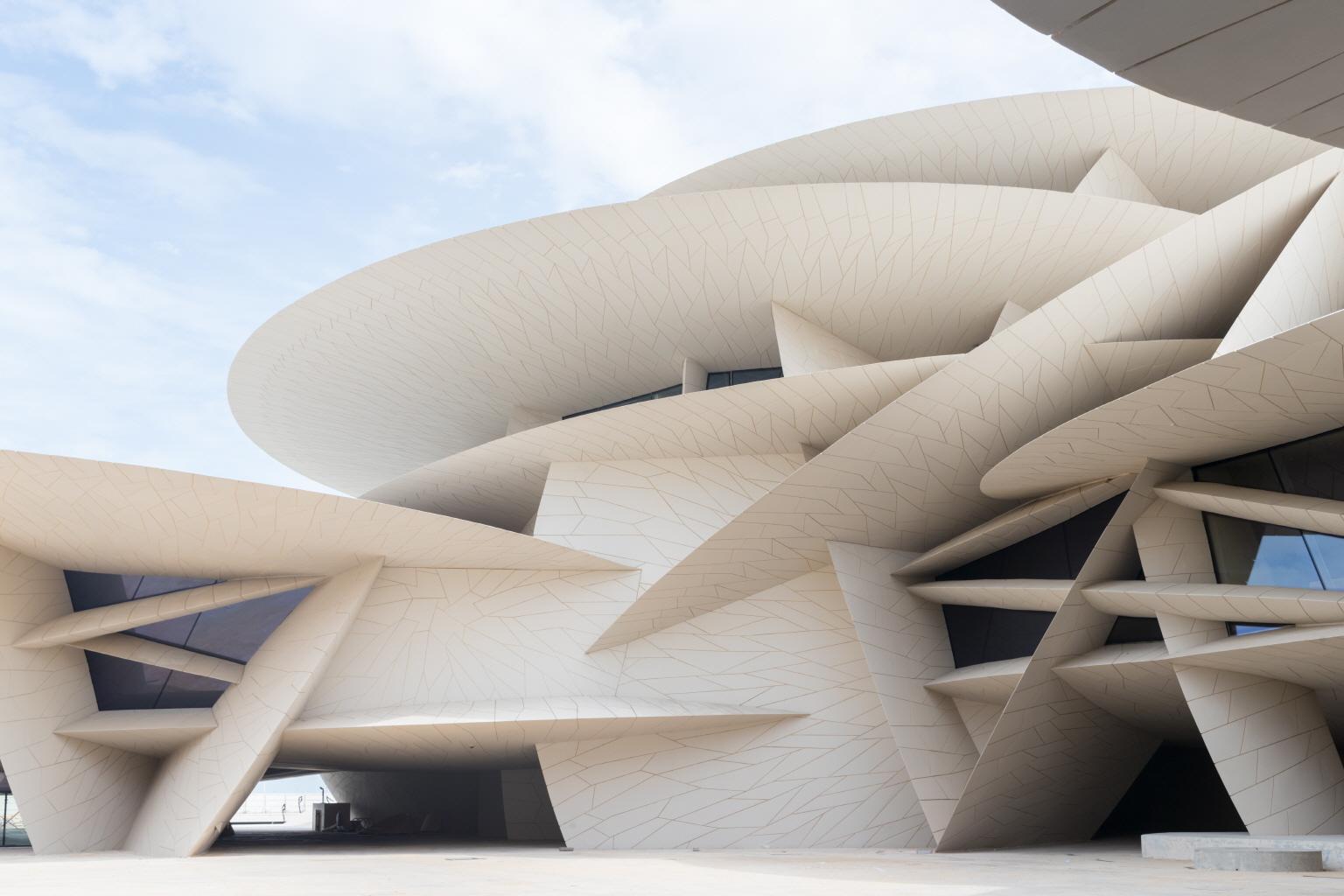 〔안정원의 건축 칼럼〕사막의 장미를 모티브로 316개의 원형 디스판을 조합한 카타르박물관2