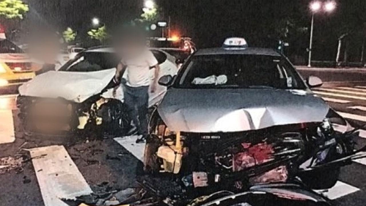 음주 운전자가 몰던 승용차와 택시 충돌...2명 다쳐