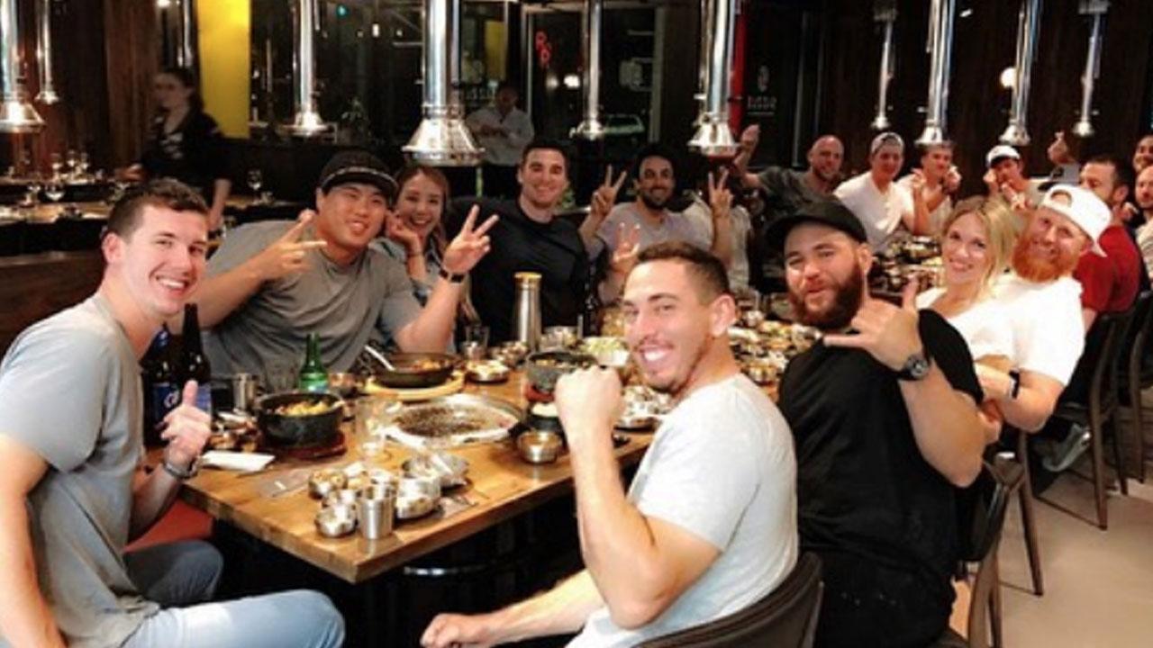동료들과 한식당 찾은 류현진, '다음 등판은 29일'
