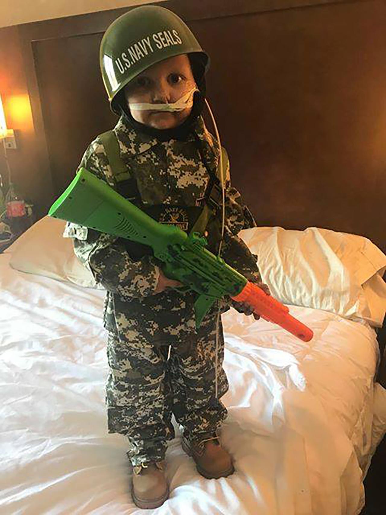 군인 꿈꾸던 美 5세 소년, 장례식에서 대령으로 임명
