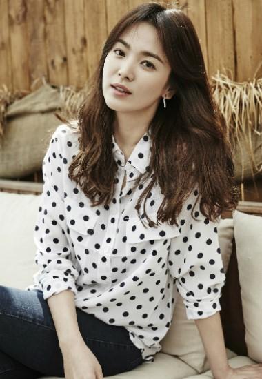 """송혜교, 영화 '안나' 출연할까...""""긍정적으로 검토 중"""""""